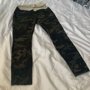 GAP Maternity full panel skinny ankle camo jeans